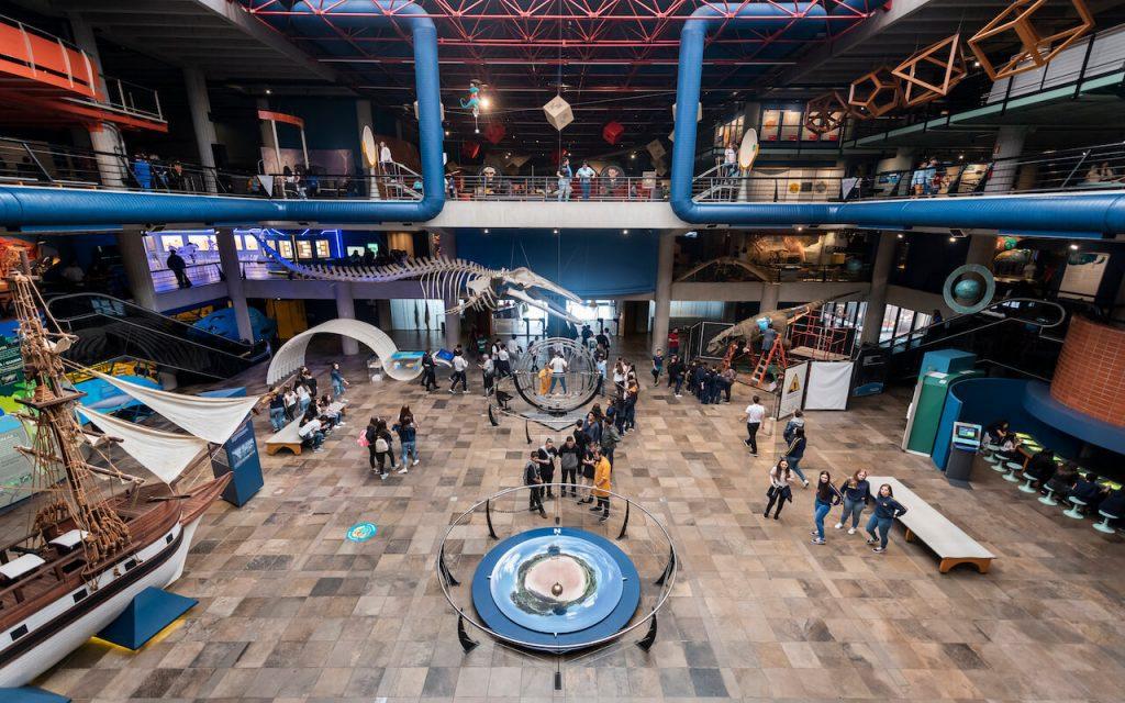 Museu de Ciências e Tecnologia - PUCRS ao lado do bairro Central Parque